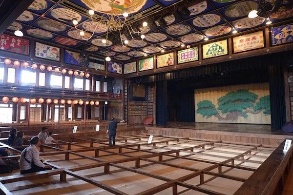 百年の歴史を誇る芝居小屋「八千代座」